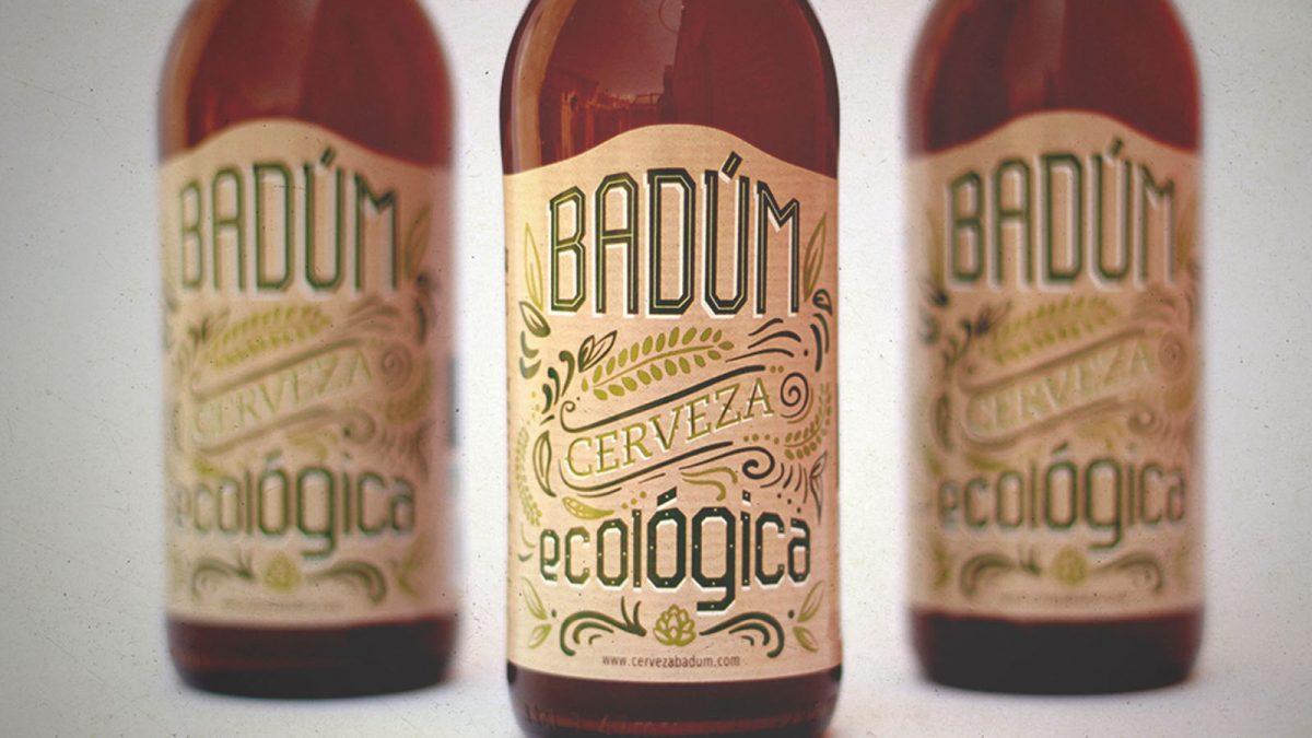 Diseño de etiqueta ecológica para cervezas Badum, papel reciclado, lettering, cerveza eco, packaging para botellas de cerveza, concepto