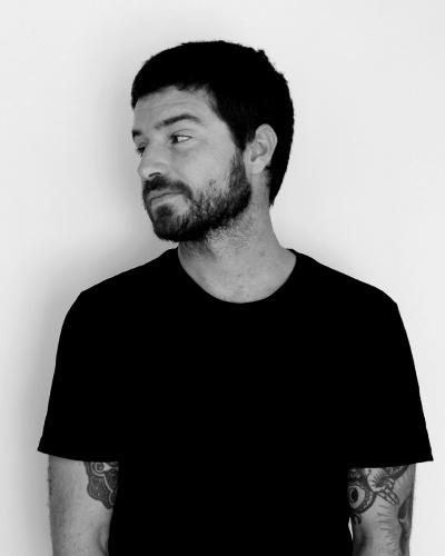 About Pistacho Studio. Jose Luis, diseñador gráfico y baterista